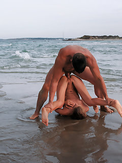 Girl Fucked On Beach Pics