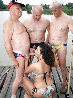 Group Sex On Beach Pics