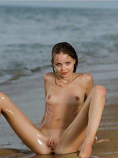 Small Tits Voyeur Beach Pics