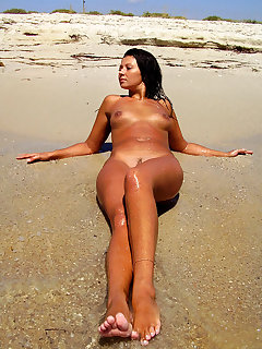 Naked People On The Beach Pics